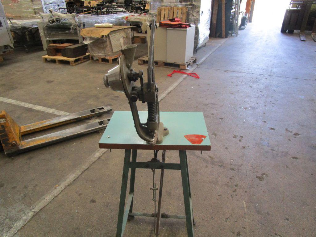 EYELETING-MACHINE  , Rocznik : 1990, ref.58514 | www.coci-sa.com/pl | 58514n.jpg